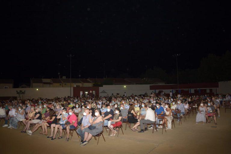 Los espectáculos musicales y de variedades triunfan en las noches de feria de Manzanares